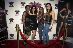 Fan with All Stars Diana Zarillo, Monica Long + Ela Leahy
